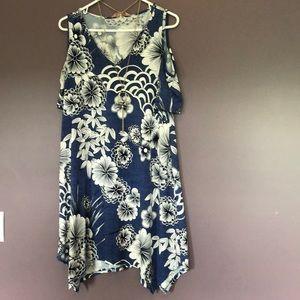 Blue/white flowered cold shoulder dress